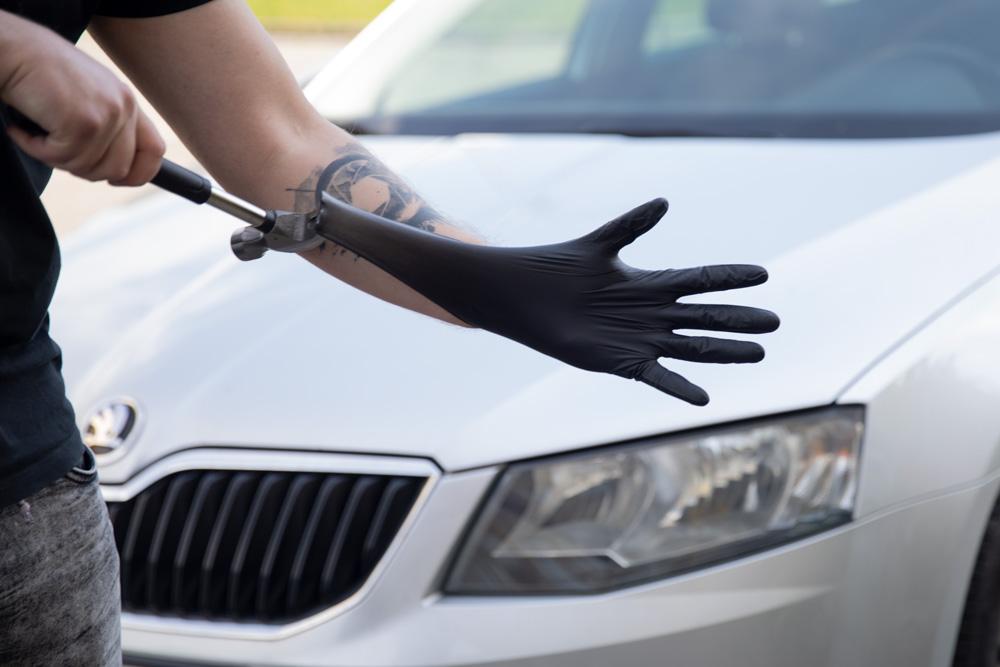 Black Mamba odolné jednorázové nitrilové rukavice natahované kladivem
